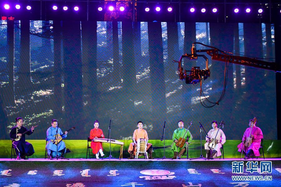 内蒙古呼伦贝尔:惠民展演促旅游