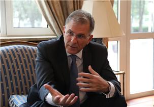 希腊驻华大使:乔治·伊利奥普洛斯