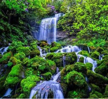 眉山洪雅发现罕见的高海拔瀑布群