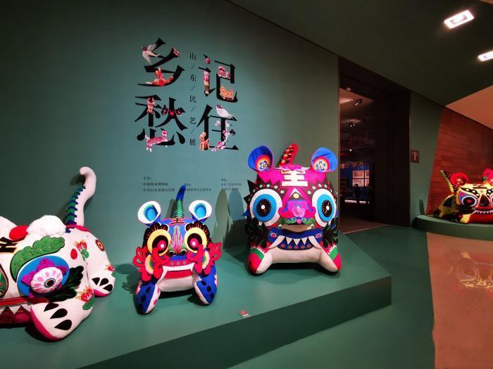 """1500余件艺术品在国博勾起观众""""乡愁"""""""
