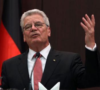 """德国总统呼吁国民负责避免二度""""封城"""""""