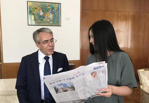 阿尔及利亚驻华大使爱上中国四大名著