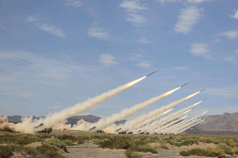 朝鲜国防科学院试射超大型火箭炮