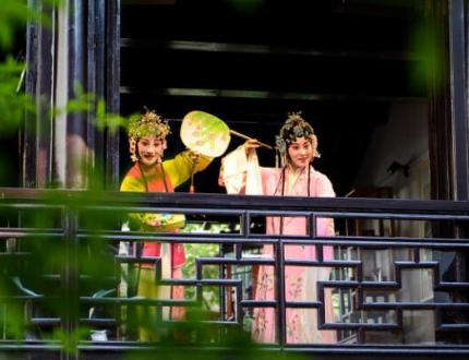 昆山巴城文旅主题展亮相上海虹桥高铁站
