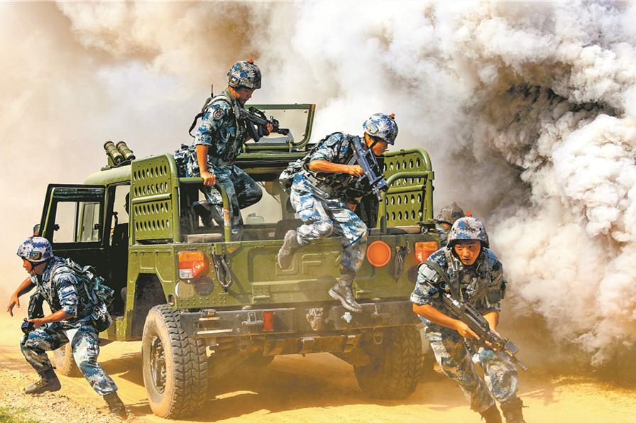 空降兵对抗演练火热展开