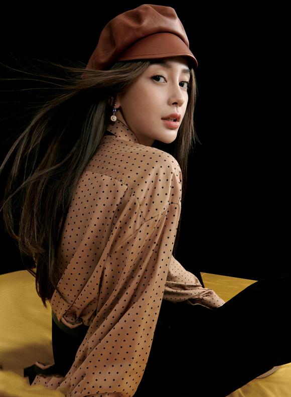 Angelababy秋季复古封面 双重色调彰显自信优雅