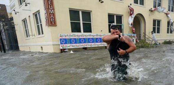 """飓风""""莎莉""""减弱但影响未结束 美国多州洪水泛滥"""