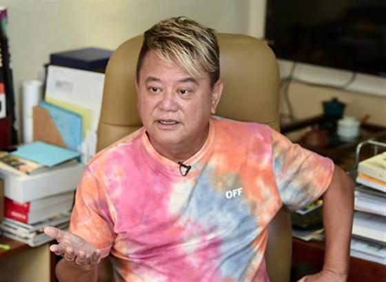 陈百祥获铜紫荆星章:只要不犯法 香港给你机会