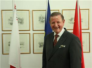 马耳他驻华大使:卓嘉鹰