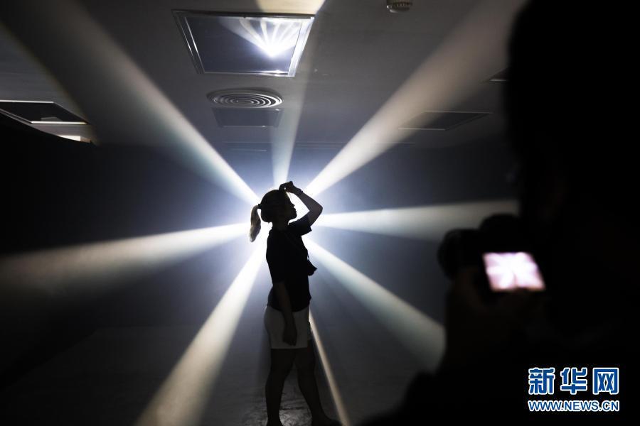 灯光艺术点亮夜曼谷