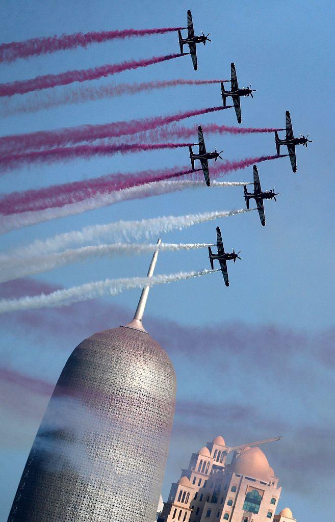 卡塔尔举行国庆阅兵式