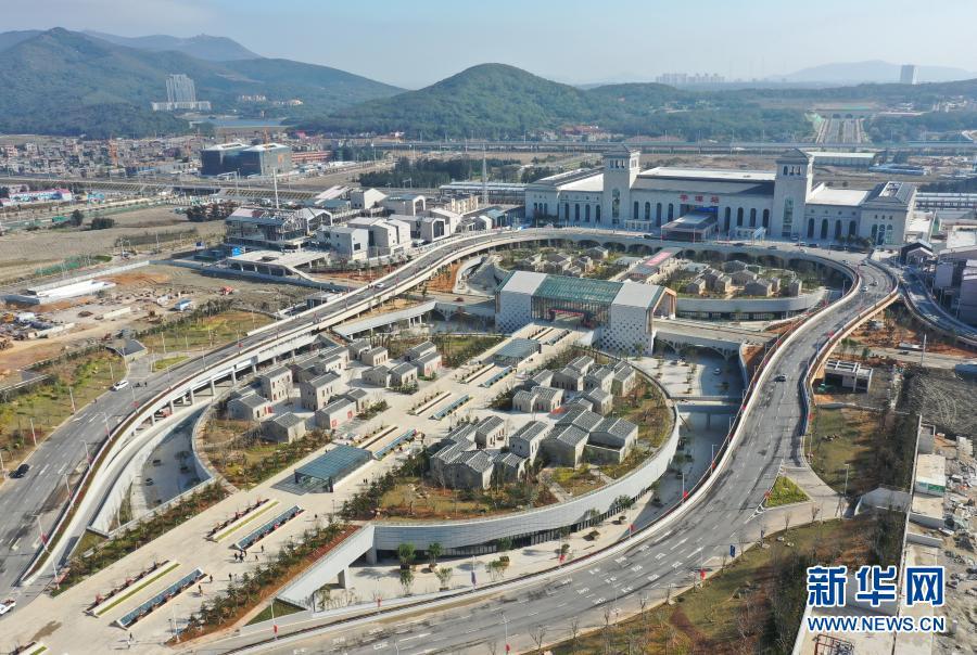 福平铁路开通运营 平潭海峡公铁大桥同步投用