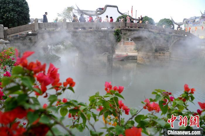 """福州上下杭历史街区变身""""人间仙境""""引游人"""