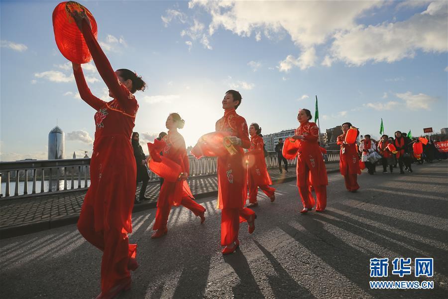 """(国际)(2)比利时举办""""欢乐春节""""农历新年庆祝活动"""