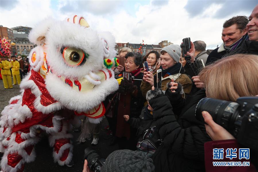 """(国际)(15)比利时举办""""欢乐春节""""农历新年庆祝活动"""