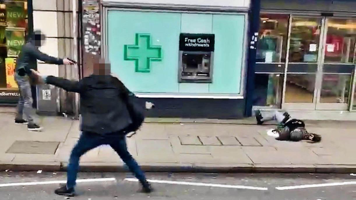 2月2日伦敦持刀恐袭案现场(图片来源:《泰晤士报》)