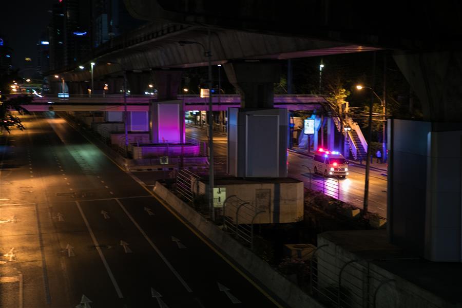 泰国在全国范围内实施宵禁