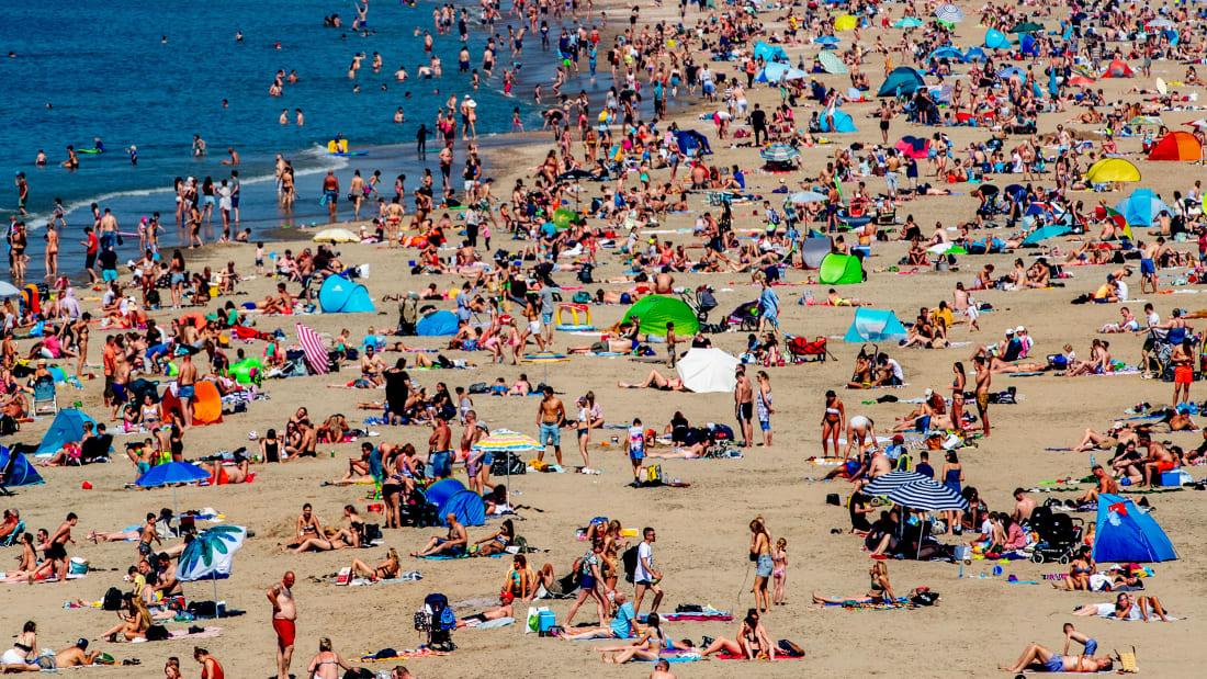 http___cdn.cnn.com_cnnnext_dam_assets_200522091733-01-beach-crowding-netherlands-restricted.jpg