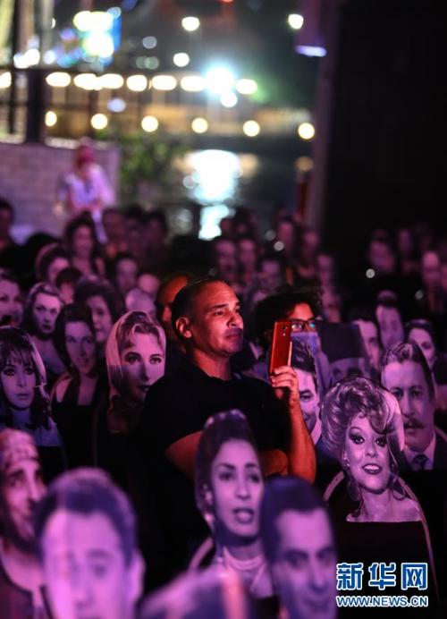 """埃及:""""名人""""帮助保持社交距离"""