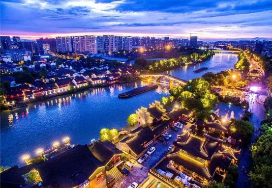 网络国际传播第二篇稿件:杭州创造消费新场景,大力发展夜经济418.png