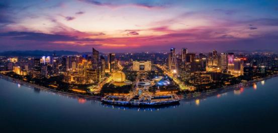 网络国际传播第二篇稿件:杭州创造消费新场景,大力发展夜经济445.png