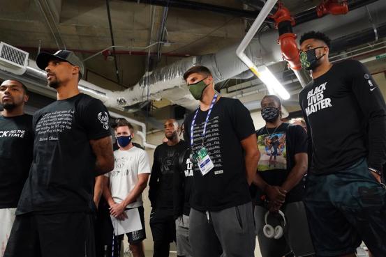 """海外网深一度:被扣上""""政治组织""""的帽子,NBA过去48小时经历了什么?593.png"""