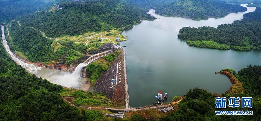 (国际·图文互动)(1)通讯:践行绿色发展 持续造福民生——记中国华电柬埔寨额勒赛水电站项目