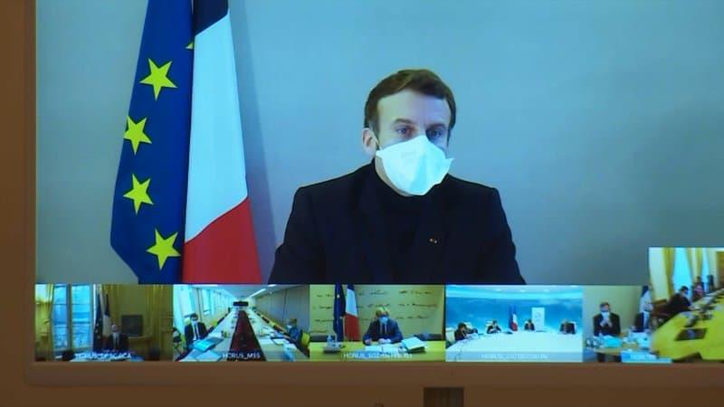 Emmanuel-Macron-intervient-en-visioconference-lors-du-Conseil-des-ministres-le-21-decembre-2020-522603.jpg