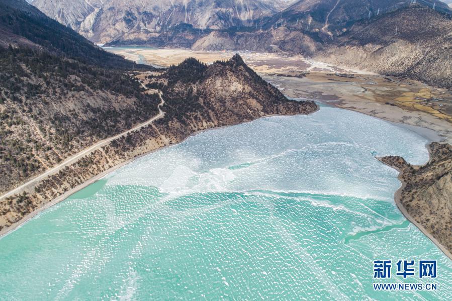 冰雪然乌湖