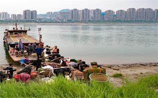 四川泸州:长江渡口
