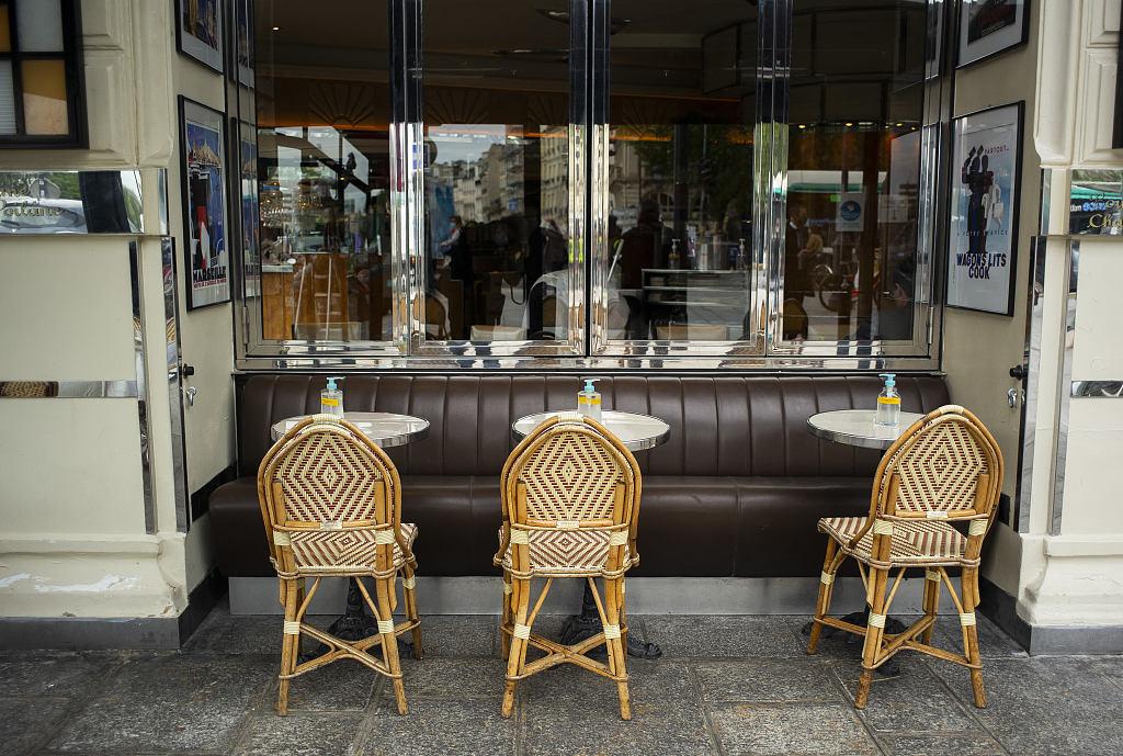 法国户外酒吧和餐馆即将重新开业