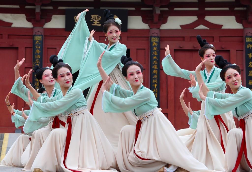 河南郑州:歌舞《杜诗佳人图》亮相杜甫故里