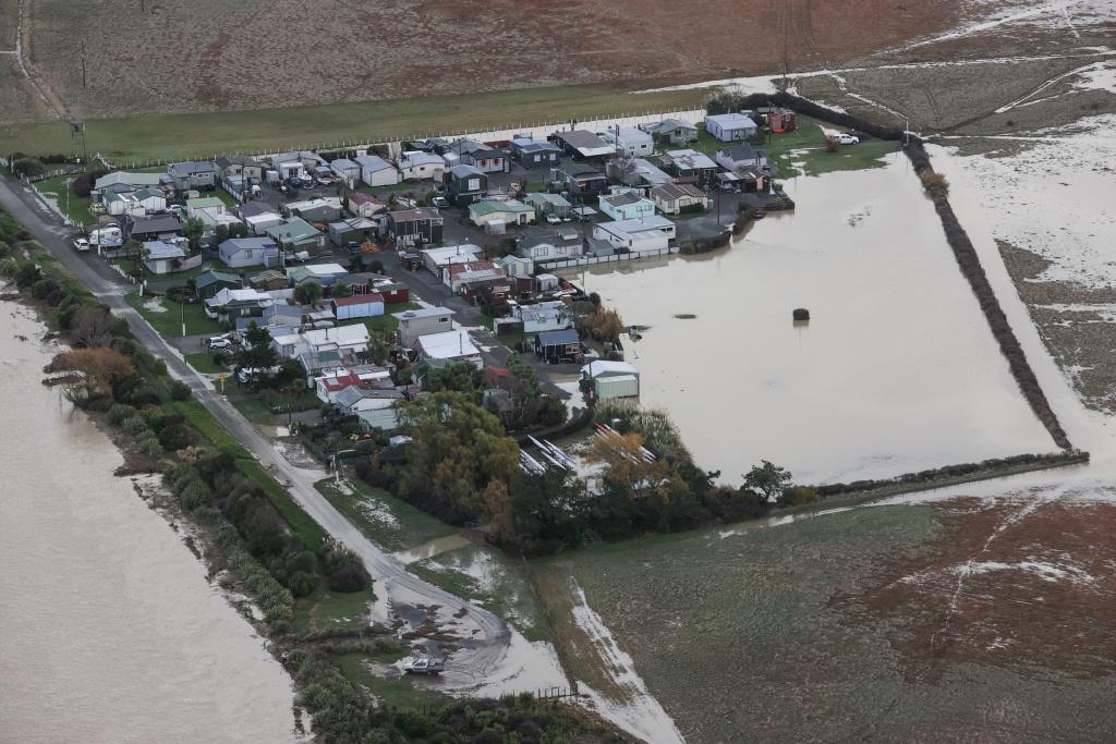 俯瞰新西兰南岛灾情 一片汪洋触目惊心