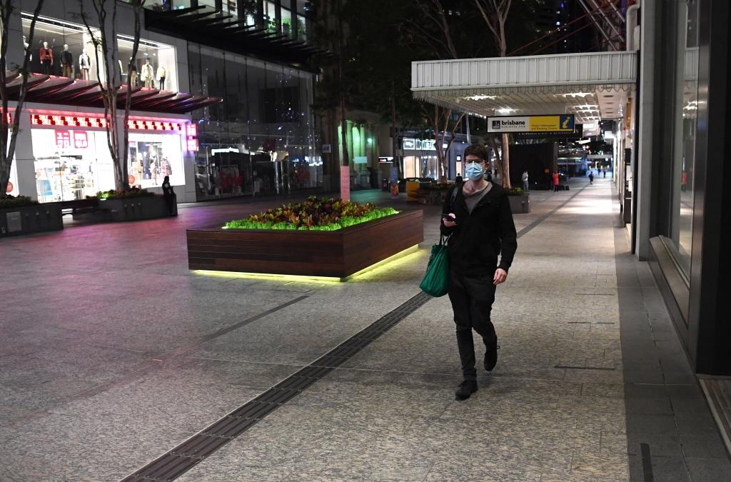 疫情反弹严峻 澳大利亚近半数人口进入封锁状态