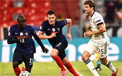 """欧足联:小个子坎特成为法国队的新""""团宠"""""""