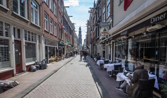 荷兰知名记者街头中5枪后身亡,曾因调查黑帮等犯罪案件闻名