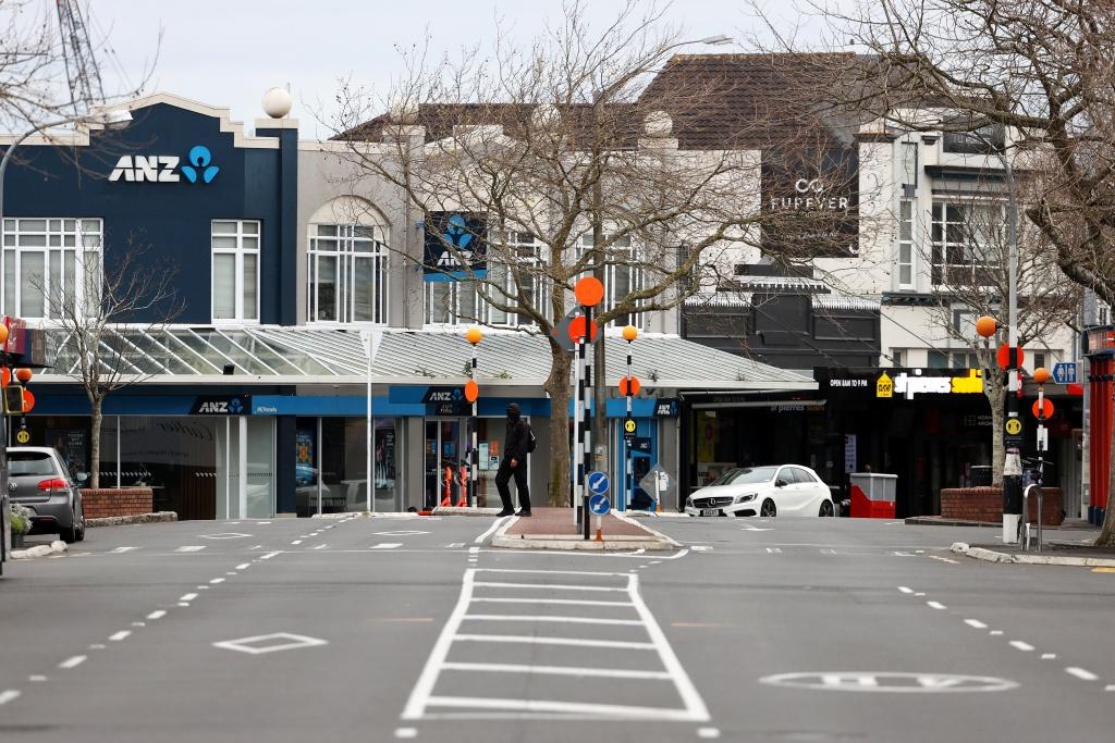 确诊病例继续攀升 新西兰奥克兰将延长防疫措施两周