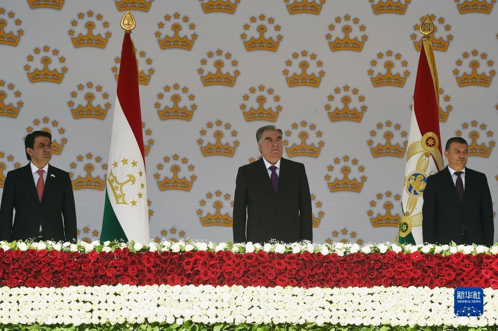 塔吉克斯坦多地举行独立30周年阅兵式