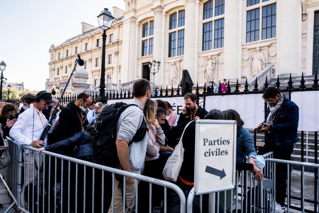 """""""史无前例的大审判!""""法国开审2015年巴黎系列恐袭案"""