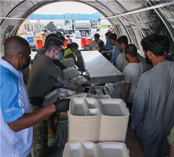美国从阿撤离人员中仍有近1.5万人滞留德国基地