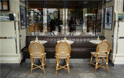 法國戶外酒吧和餐館即將重新開業