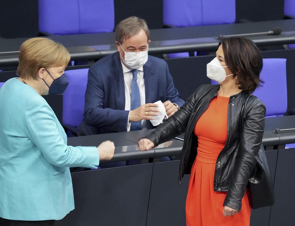 德国:民调显示无党派占据绝对优势 绿党总理候选人出席竞选活动