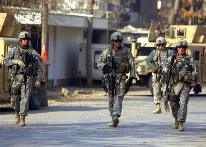 资料图片:美军士兵在阿富汗.jpg
