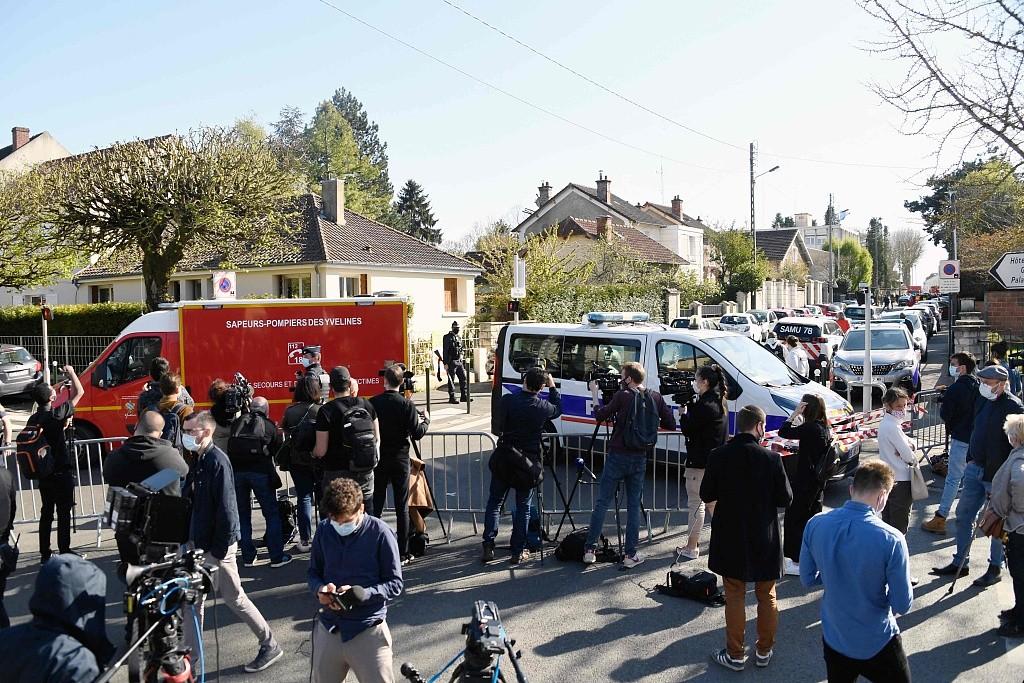 法国一名女警在警察局被刺杀 反恐调查已经展开