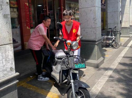福建泉州:青春点亮文明 志愿聚力创城323.png