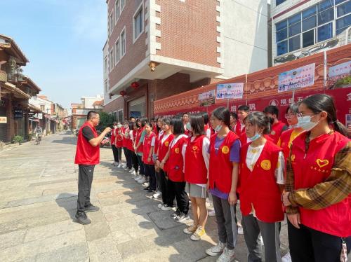 福建泉州:青春点亮文明 志愿聚力创城582.png