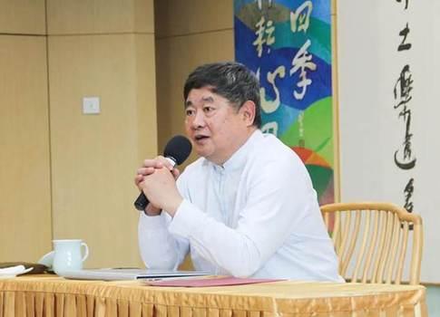 """文化遗产保护与利用哪个重要?单霁翔说:""""传承最重要!"""""""