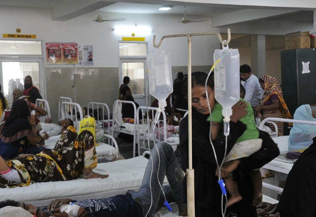 """印度""""登革热""""疫情致1.2万人卧病在床 114人死亡含88名儿童"""