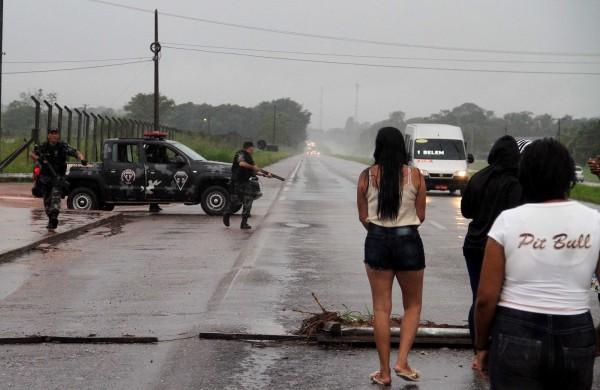 巴西大规模越狱事件致23死 武装组织炸开外墙