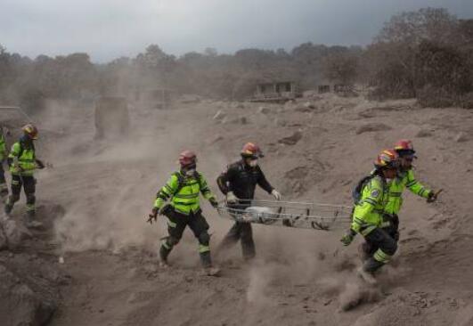 危地马拉火山喷发已致73死 近200人仍失踪